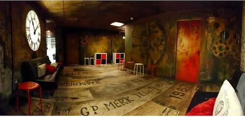 Tick-Tock Unlock is an escape room which integrates Vive VR headsets. There are four locations in the UK.