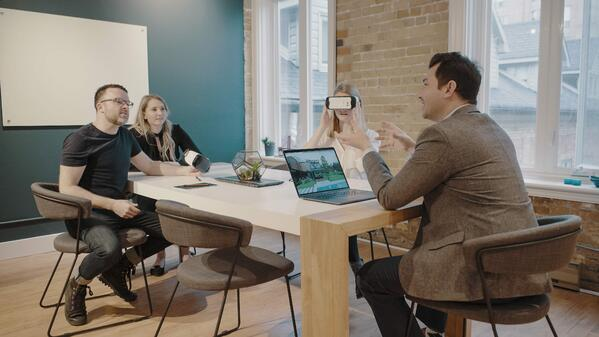 Pitch with VR in Client-Facing Meetings